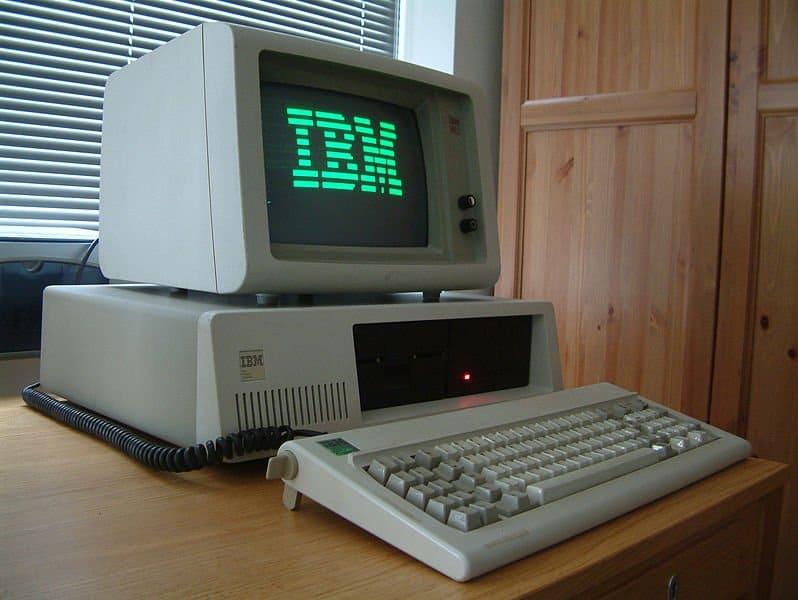 Первый в мире персональный компьютер IBM