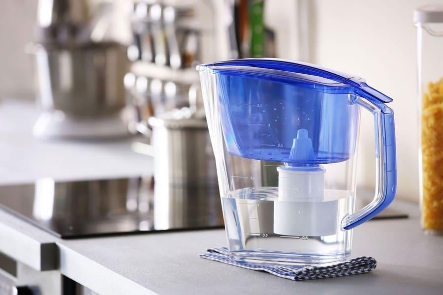 Какую воду пить: кипячённую, фильтрованную или бутилированную