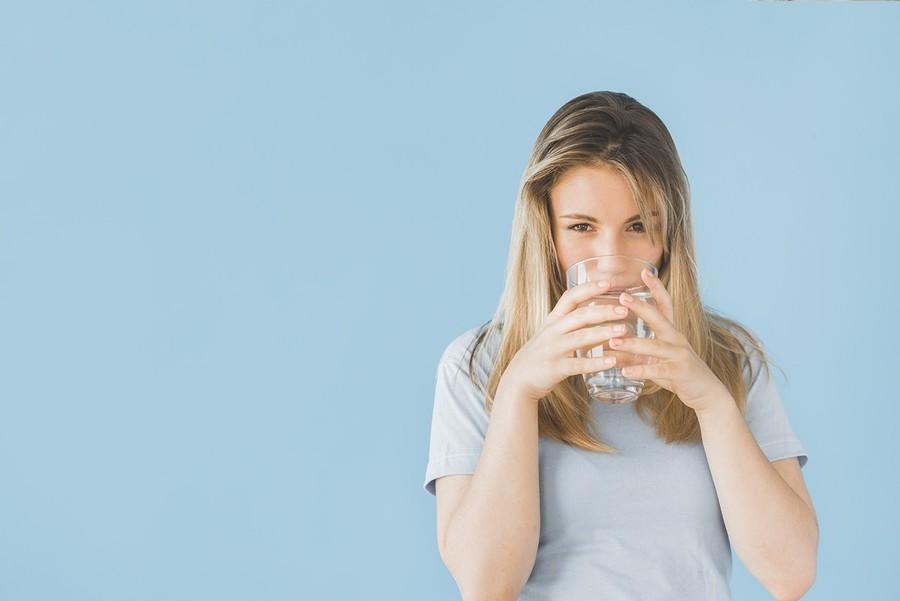 Нужно ли пить воду с утра натощак