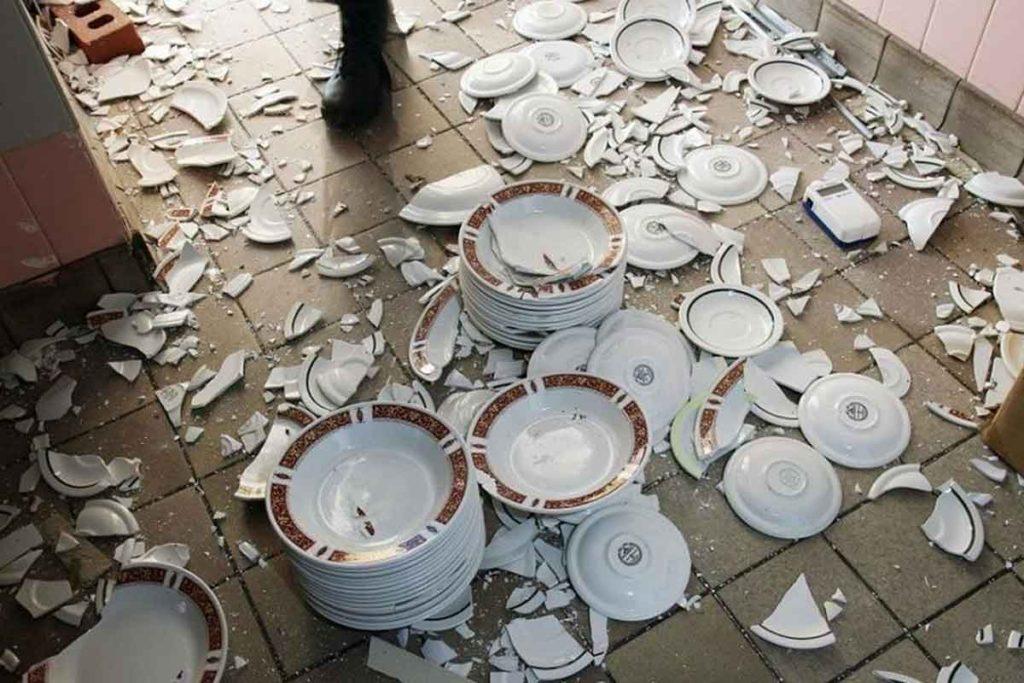 если разбил посуду в кафе