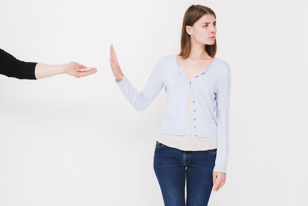 По статистике, каждая десятая женщина курит. Это опасно бесплодием?