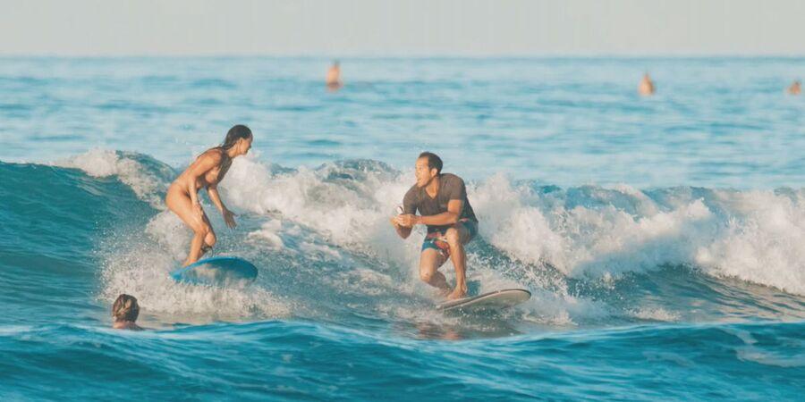 Кристофер Гарт сделал романтическое предложение своей девушке прямо во время сёрфинга