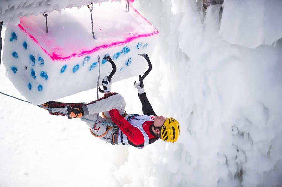 Айсклайминг или ледолазание – необычный зимний вид спорта